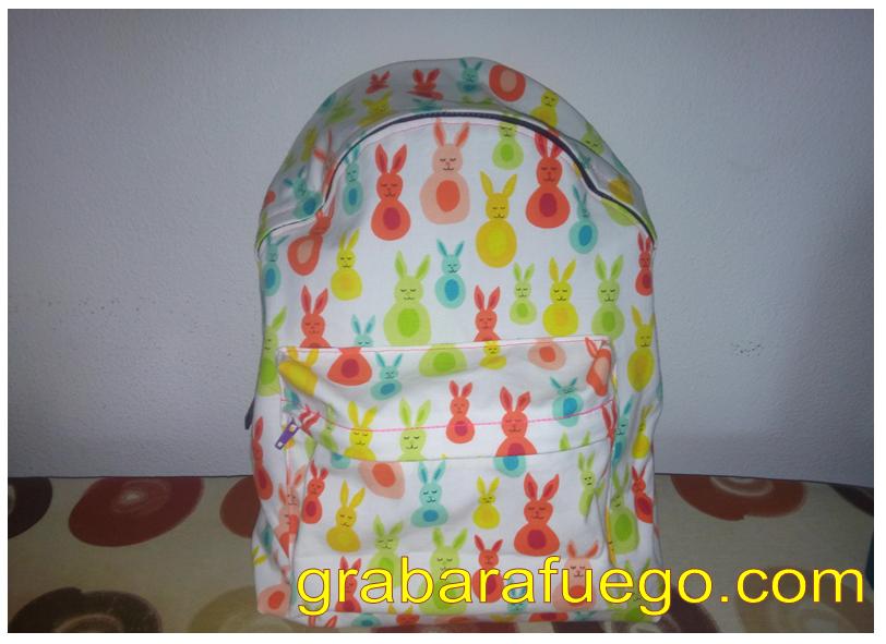 mochila conejitos1.png