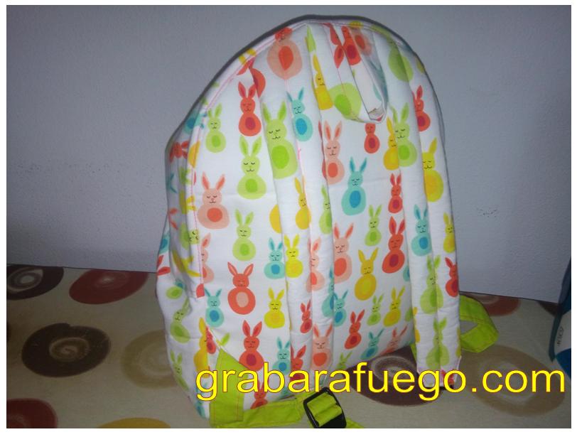 mochila conejitos2.png
