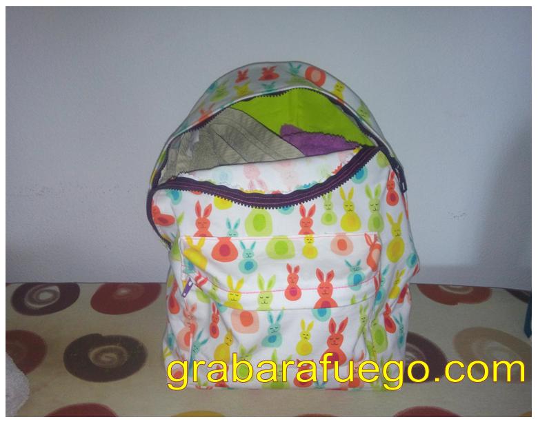 mochila conejitos3.png